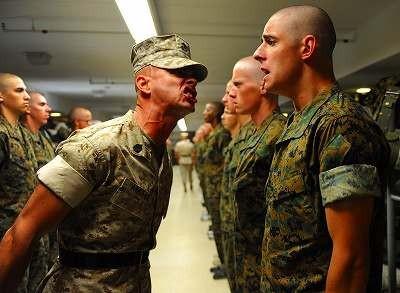 military-662863_1280